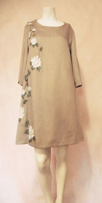"Campana ""white roses"", silk&wool, color taupe, ital.size 42.  385€"