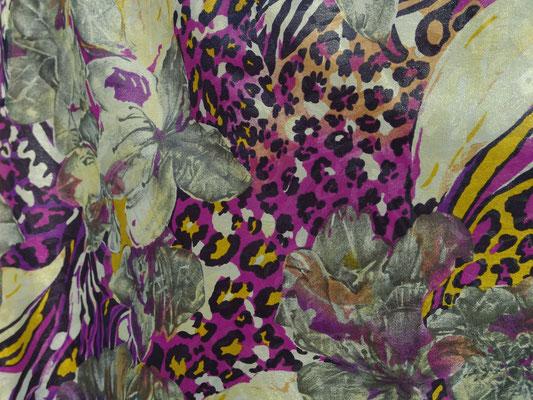 JABStoff Escana graue Blüten auf lila Grund