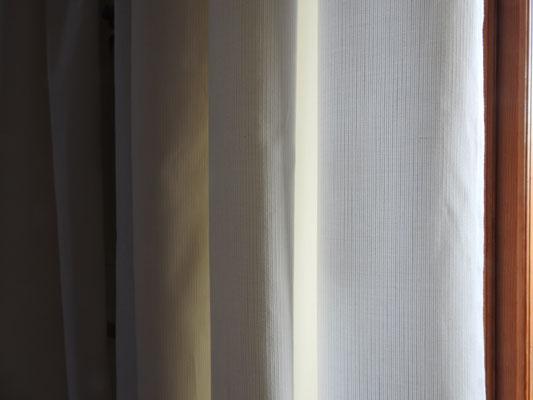 weißer Baumwollvorhang, dezente Ripsstruktur