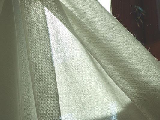 Weißer Baumwoll-Voile, fein gewebt