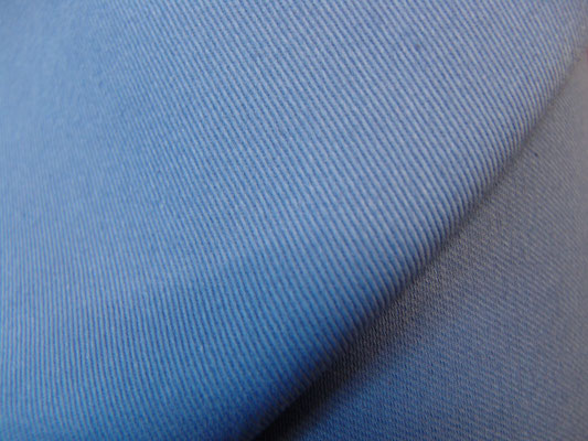 BW-Köper in dänischblau, 220 cm breit, 16,90 €/m