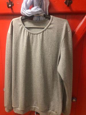 Pulli aus grauem Jersey
