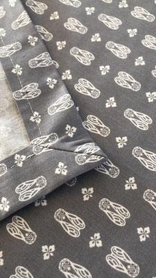 Tischdecke mit dem Provencestoff Mouche gris - mit Briefecken!