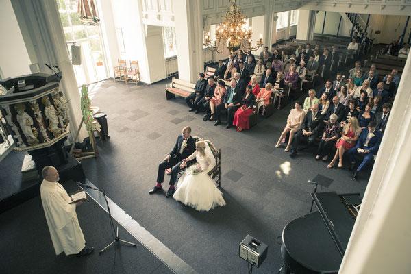 Brautpaar, Trauung, Zeremonie, Pastor, St. Nicolai Kirche Hamburg Finkenwerder, minalux, wedding photography, Hochzeitsreportage, Hochzeitsfotografie, Mina Esfandiari