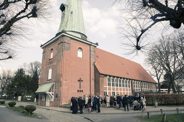 Hochzeitsgesellschaft, St. Johannis Kirche Eppendorf, Hamburg, minalux, wedding photography, Hochzeitsreportage, Hochzeitsfotografie, Mina Esfandiari