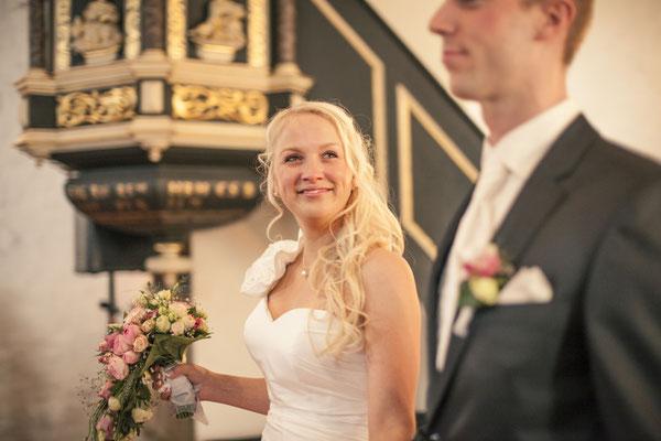 Brautpaar, Auszug, Zeremonie, Trauung, Kirche Hittfeld Seevetal, minalux, wedding photography, Hochzeitsreportage, Hochzeitsfotografie, Mina Esfandiari