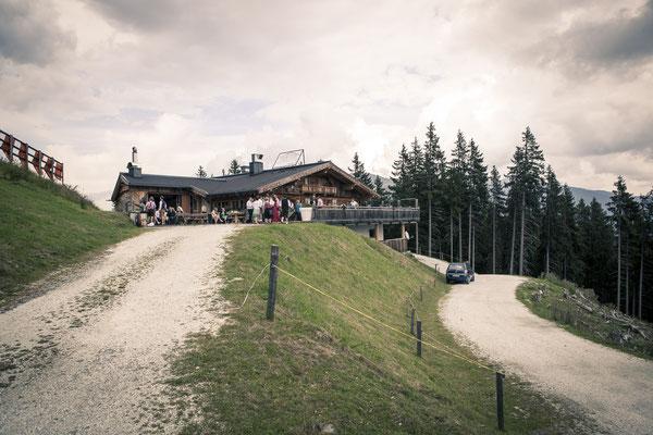 Auffahrt, Toni-Alm, Kitzbühel, Österreich, minalux, wedding photography, Hochzeitsreportage, Hochzeitsfotografie, Mina Esfandiari