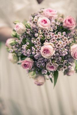Brautstrauß, Hochzeit, Kirche, Ev. Luth. Kirchenkreis Hittfeld, Seevetal, minalux, wedding photography, Hochzeitsreportage, Mina Esfandiari