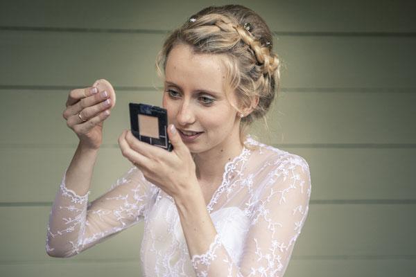 Braut, Make Up, Schminke, Puder, Styling, Location: Deutsche Alfred-Schnittke-Gesellschaft, Musikseminar Hamburg, minalux, wedding photography, Hochzeitsreportage, Hochzeitsfotografie, Mina Esfandiari