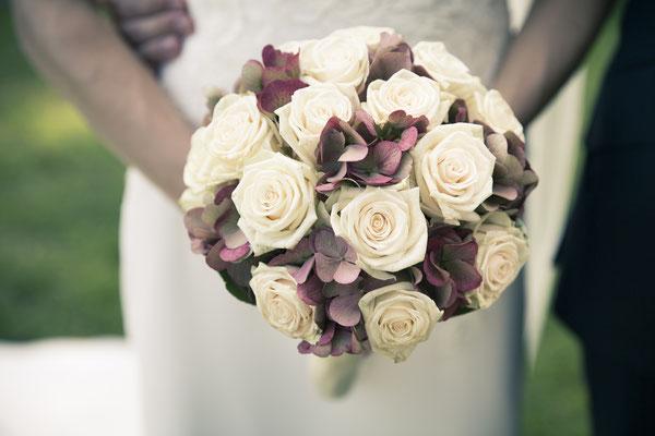 Brautstrauß, Dekoration, Blumenstrauß, Kirche St. Trinitatis, Hamburg, minalux, wedding photography, Hochzeitsreportage, Hochzeitsfotografie, Mina Esfandiari