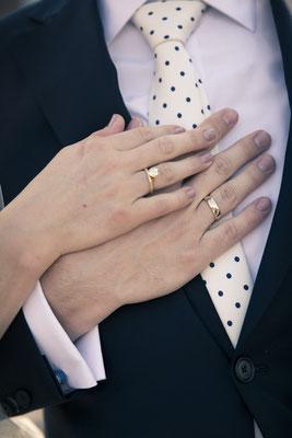 Brautpaar, Eheringe, Speicherstadt Hamburg, minalux, wedding photography, Hochzeitsreportage, Hochzeitsfotografie, Mina Esfandiari