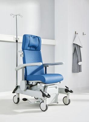 Beim Ravello plus-s lässt sich die Sitzfläche mit einer Hebelmechanik zwischen 51 und 80 cm verstellen.