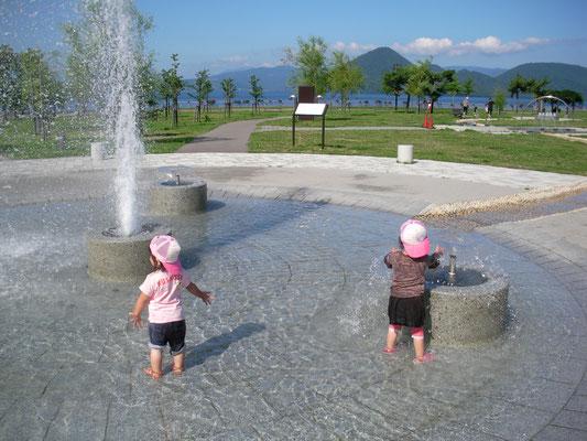 洞爺湖町。噴水広場