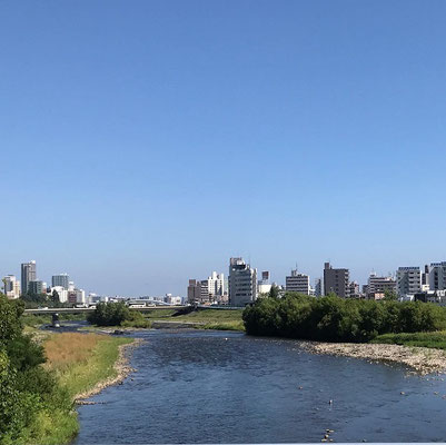 札幌市。中心部を流れる豊平川