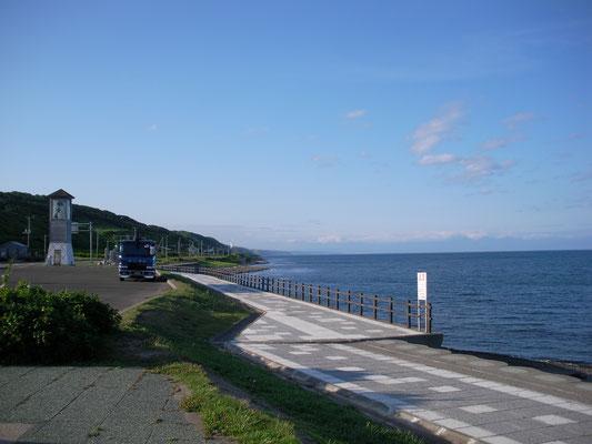 小平町。海岸