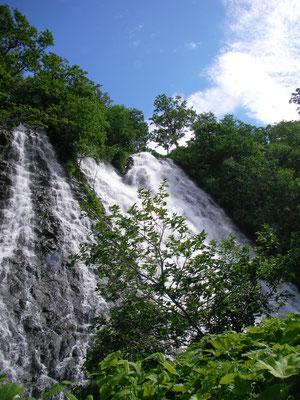 斜里町。オシンコシンの滝