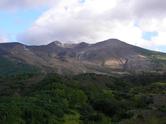 上富良野町。吹上温泉付近から黒岳