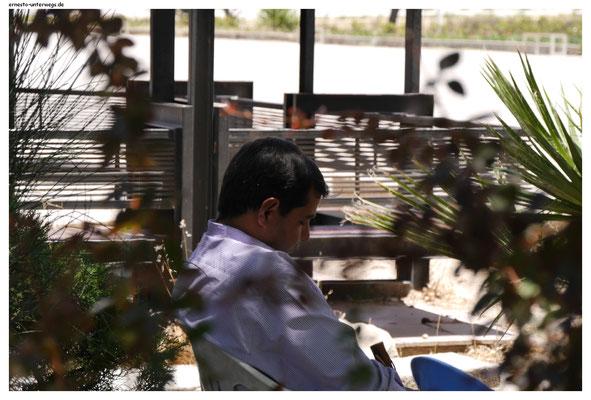 Eine ausgedehnte hitzebedingte Mittagspause ist in Persepolis absolut empfehlenswert.