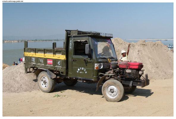 Diese Motoren-Konstruktion ist in Myanmar üblich.
