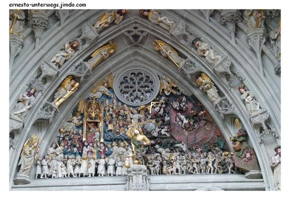 Das Portal des Münsters