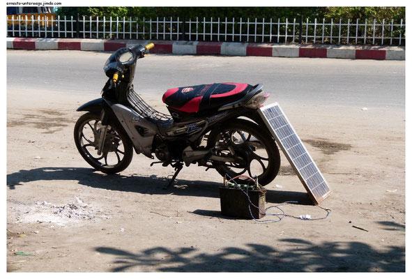 Die Solarzellen gibt es auf dem Markt zu kaufen. Gleich neben dem Obst.