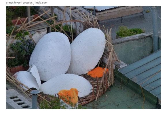 Eier des urzeitlichen Riesenraben