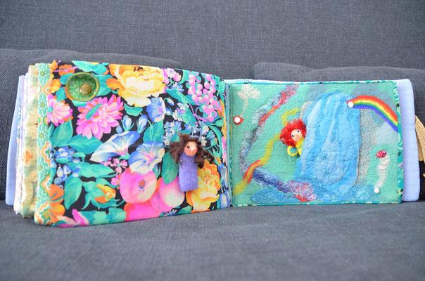 Seite aus textilem Buch von Faserverbund: Elfe und Wasserfall