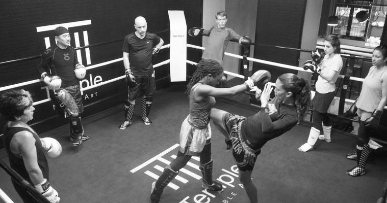 Stage de boxe thaïlandaise, encadré par Anissa Meksen, 9 fois Championne du monde de la discipline, le 1er mars 2015