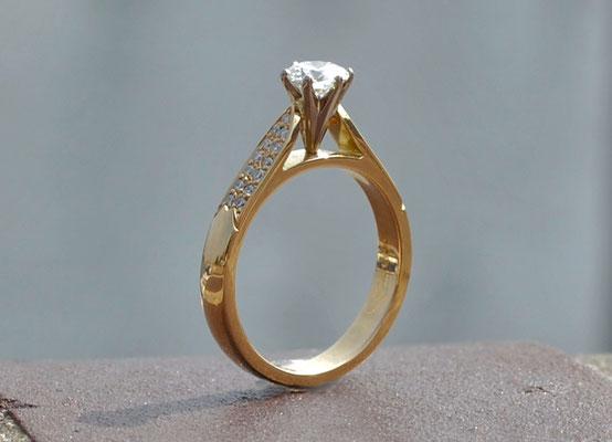 Ring, 750 Gelbgold mit Brillanten