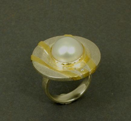 Silberring mit Perle und Brillanten