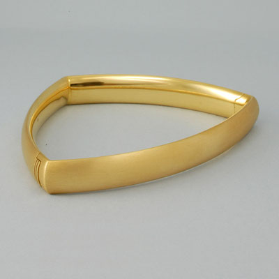 Armreif dreieckig aus 750Gelbgold