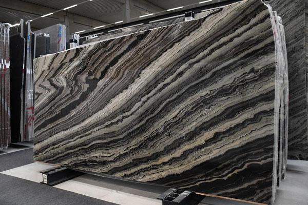 Mercury Black - Marmor