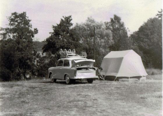 Trabant 601 beim Campen (Mecklenburger Seenplatte)