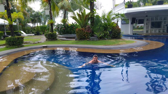 Schöner Pool im Lewis Grand Hotel