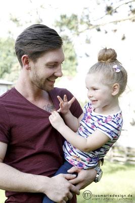 Familienshooting mit Vater und Tochter