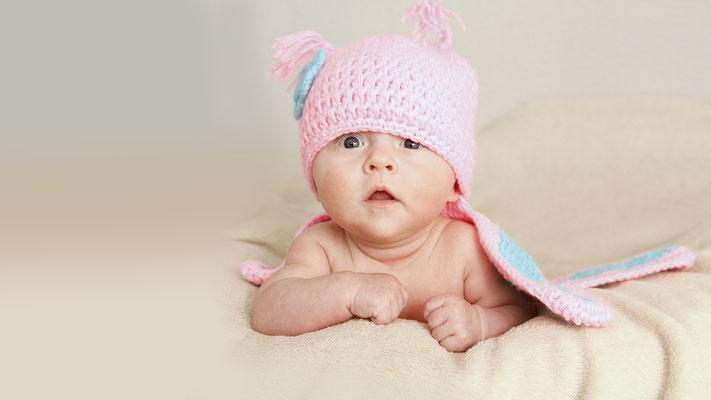 Meine Tochter mit wenigen Wochen als Schmetterling beim Babyshooting