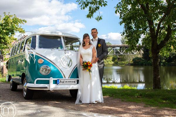 Außergewöhnliches Hochzeitsmobil - ein nostalgischer Bulli