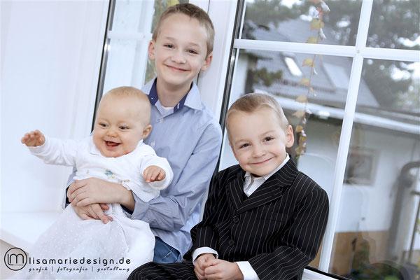 Beim Familienshooting mit den drei Brüdern