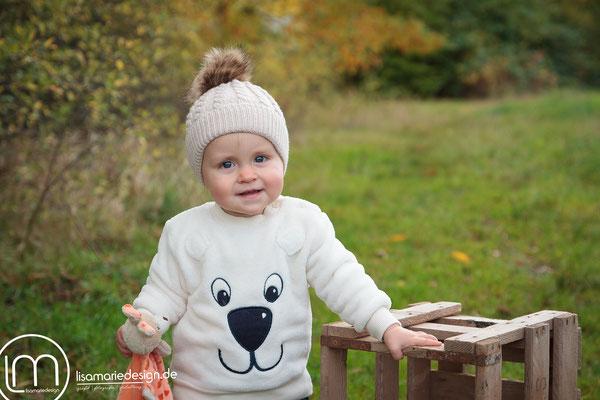 Mit Mütze und Pullover ist es gar nicht so kalt draußen.