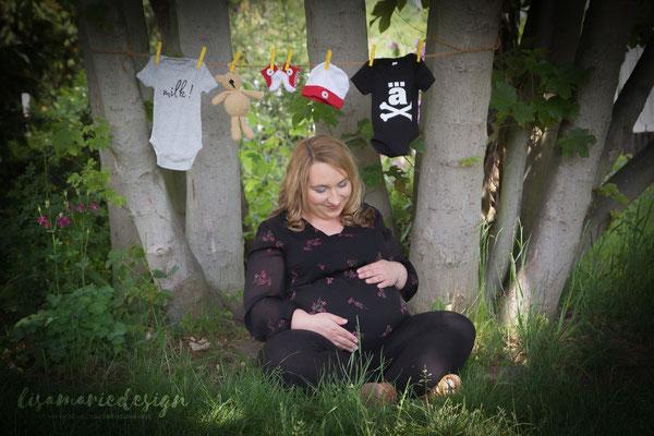 Schwangerschaftsshooting auf dem Agra-Gelände in Leipzig