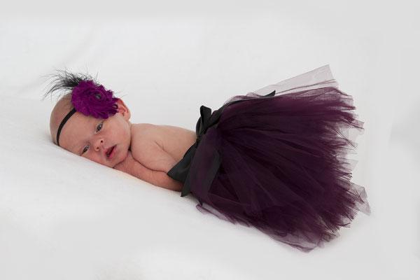 Meine Tochter mit wenigen Tagen als Prinzessin beim Babyshooting