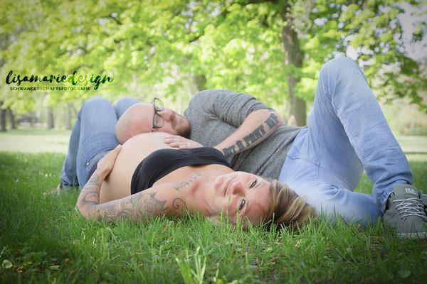 Schwangerschaftsshooting im Wilhelm-Külz-Park Leipzig