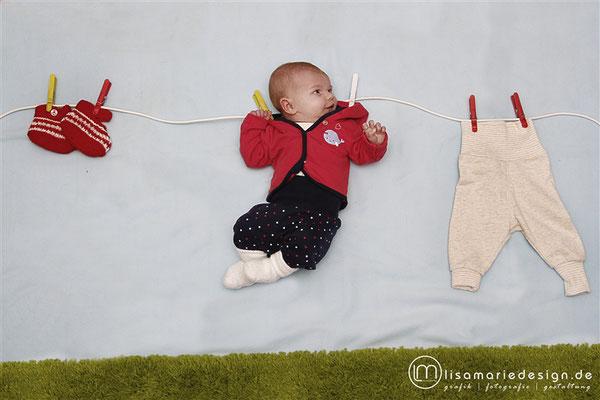 Babyshooting zu Hause als Homeshooting auf der Wäscheleine