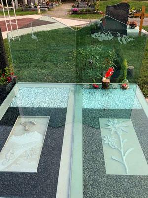 Décoration monument funéraire en verre