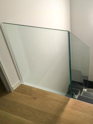 Garde-corps d'escalier en verre sur-mesure
