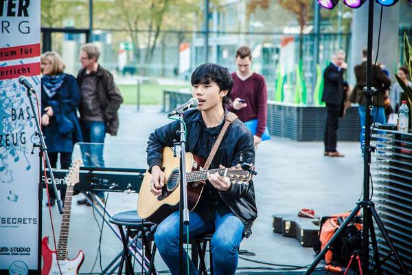 Music Secrets Schüler Gitarren Solo Live bei der Messe Nürnberg 2016