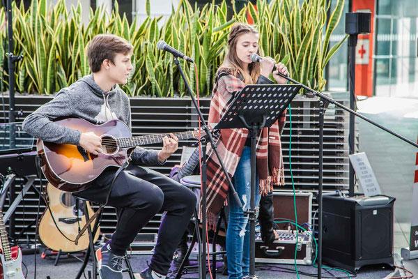 Music Secrets Schüler Live bei der Messe Nürnberg 2016 Gitarren Duo