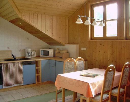 """Ferienwohnung """"Sonnenuntergang"""" mit  gut ausgestatteter Wohnküche"""