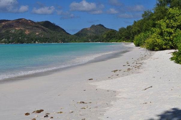 Cote d'Or la spiaggia più grande di Praslin