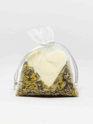 Seifenherz Schafmilch mit bunten Blüten 50g